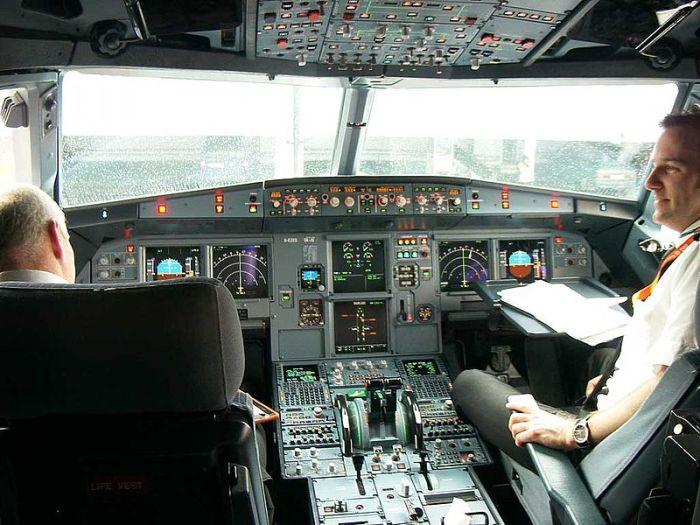 A319 Cockpit