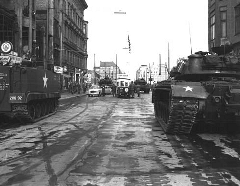 Checkpoint Charlie Standoff 1961