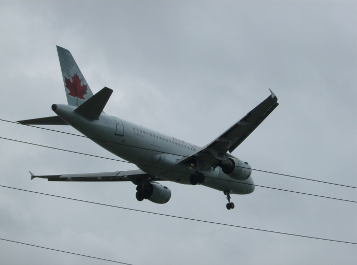 Airbus A319 on Approach