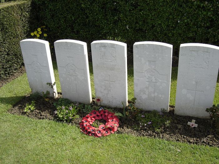 Grave of Wilfred Owen