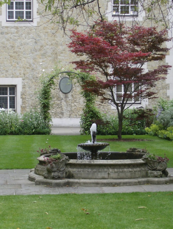 Garden near Fountain Court