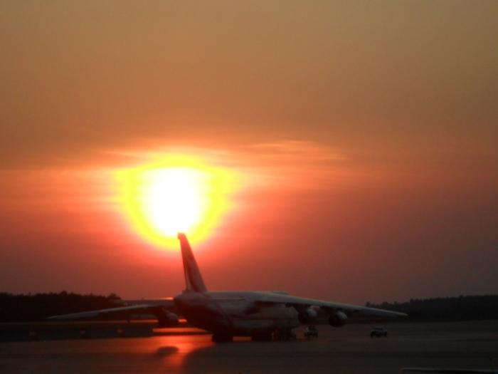 An-124 Sunset