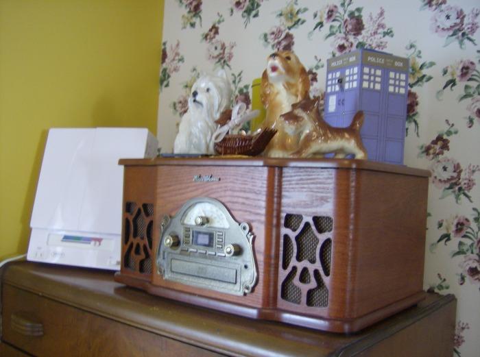 Radio, figurines