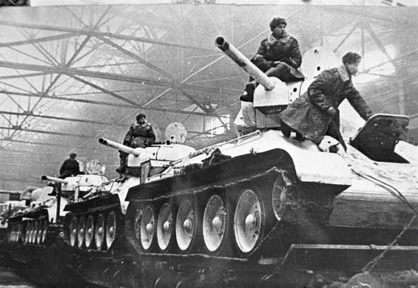 RIA T-34s at factory