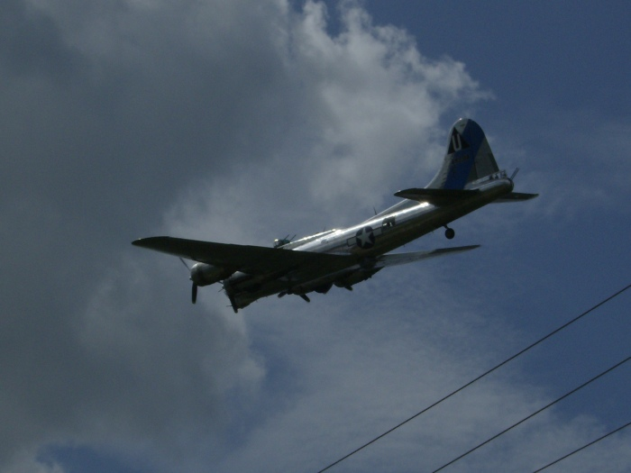 B-17 Low GLIAS 2013