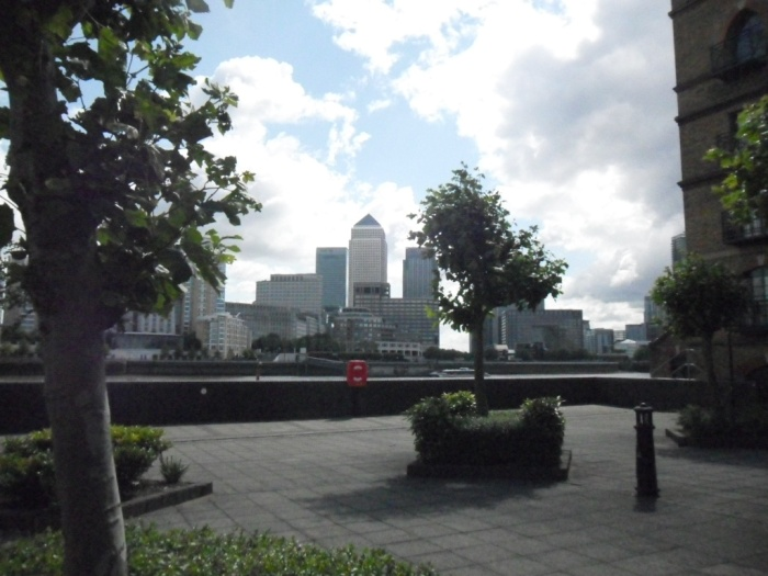 Canary Wharf Path