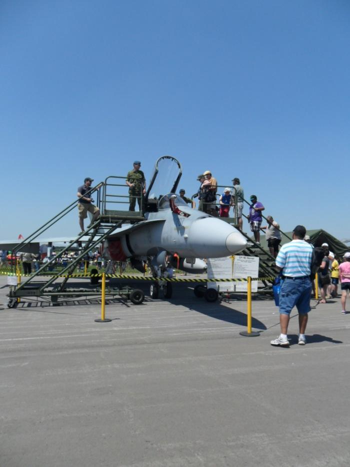 Borden F-18
