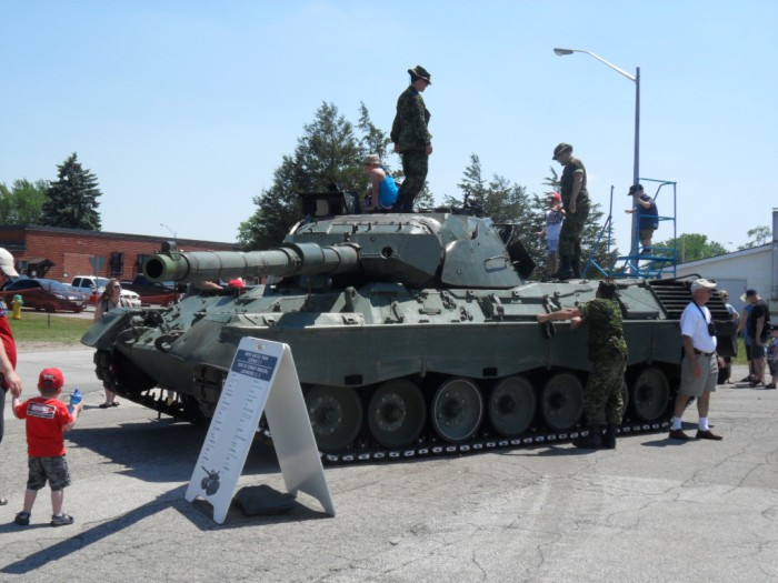 Leopard Tank Borden
